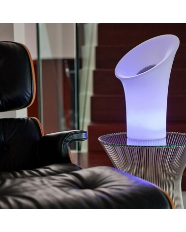 Lámpara Nipper con altavoz incorporado de New Garden